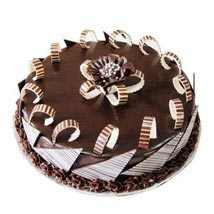 White Rich Choco Cake