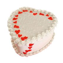 Creamy pink heart Cake